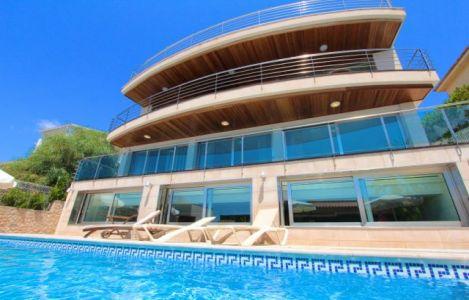 Luxus schlafzimmer mit meerblick  Luxus Ferienhaus Mallorca, Chalet im Norden Mallorcas bei Alcudia ...