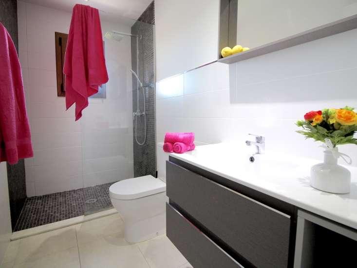 kleine neue moderne finca mit pool klimaanlage. Black Bedroom Furniture Sets. Home Design Ideas