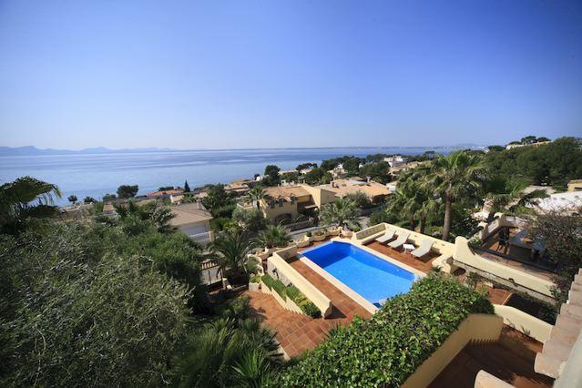 Traumhaus mit pool am meer  Luxus-Villa mit Meerblick im Norden Mallorcas Nähe Strand und Meer ...