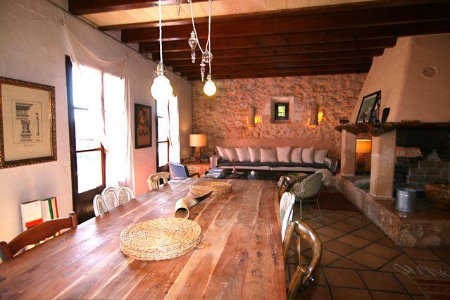mallorca finca f r 8 personen designer finca mit pool luxuri ser einrichtung und romantischem