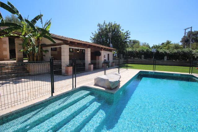 swimming pool kindersicherung schwimmbad und saunen. Black Bedroom Furniture Sets. Home Design Ideas