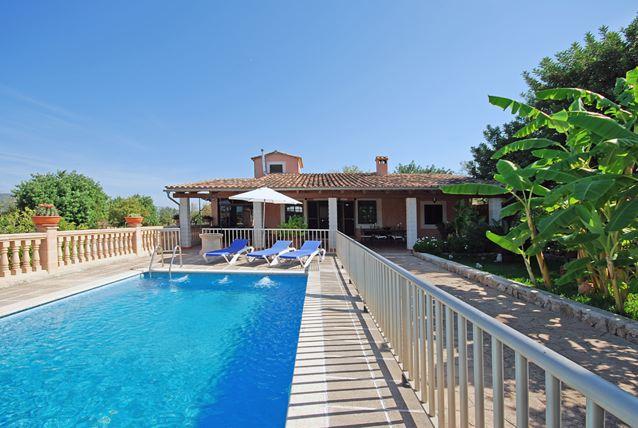 Mallorca landhaus finca mit kindersicherem pool for Mallorca haus mieten
