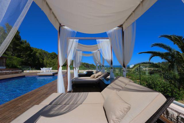 Luxus schlafzimmer mit meerblick  Große Luxus-Villa mit fantastischem Meerblick, Nähe Strand viel ...