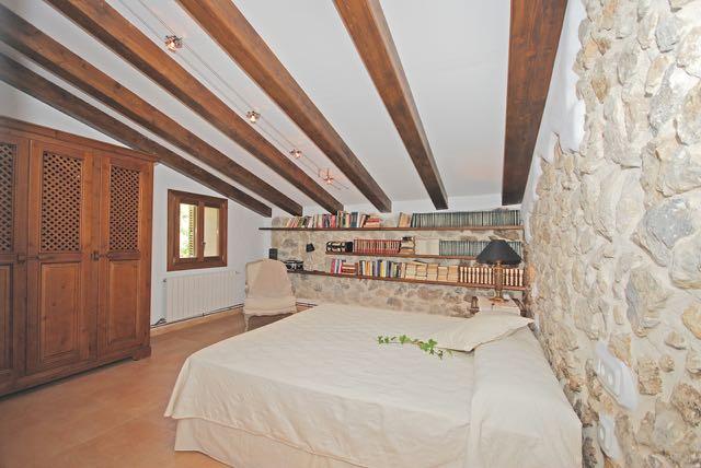 mallorca ferienhaus klimaanlage einem pool internetanschluss zentralheizung stilvoll. Black Bedroom Furniture Sets. Home Design Ideas