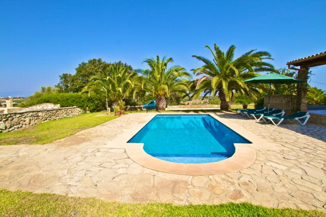 2 bis 4 personen finca pool garten berdachte terrasse finca ferienhaus 2 dz 2 b der pool. Black Bedroom Furniture Sets. Home Design Ideas