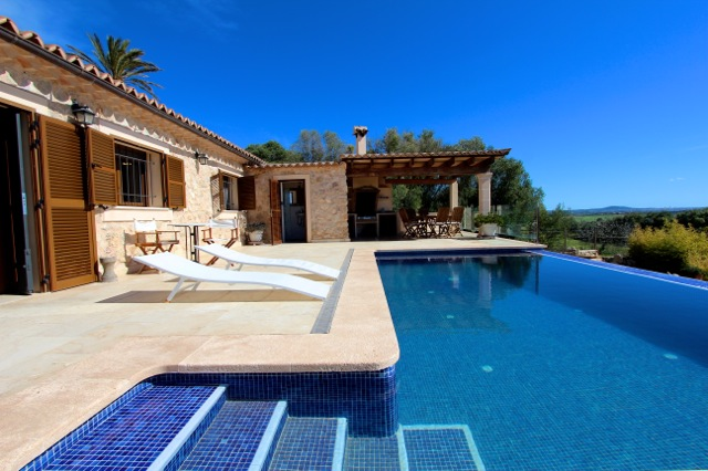 Mallorca Luxus Traumfinca Pool Weitblick