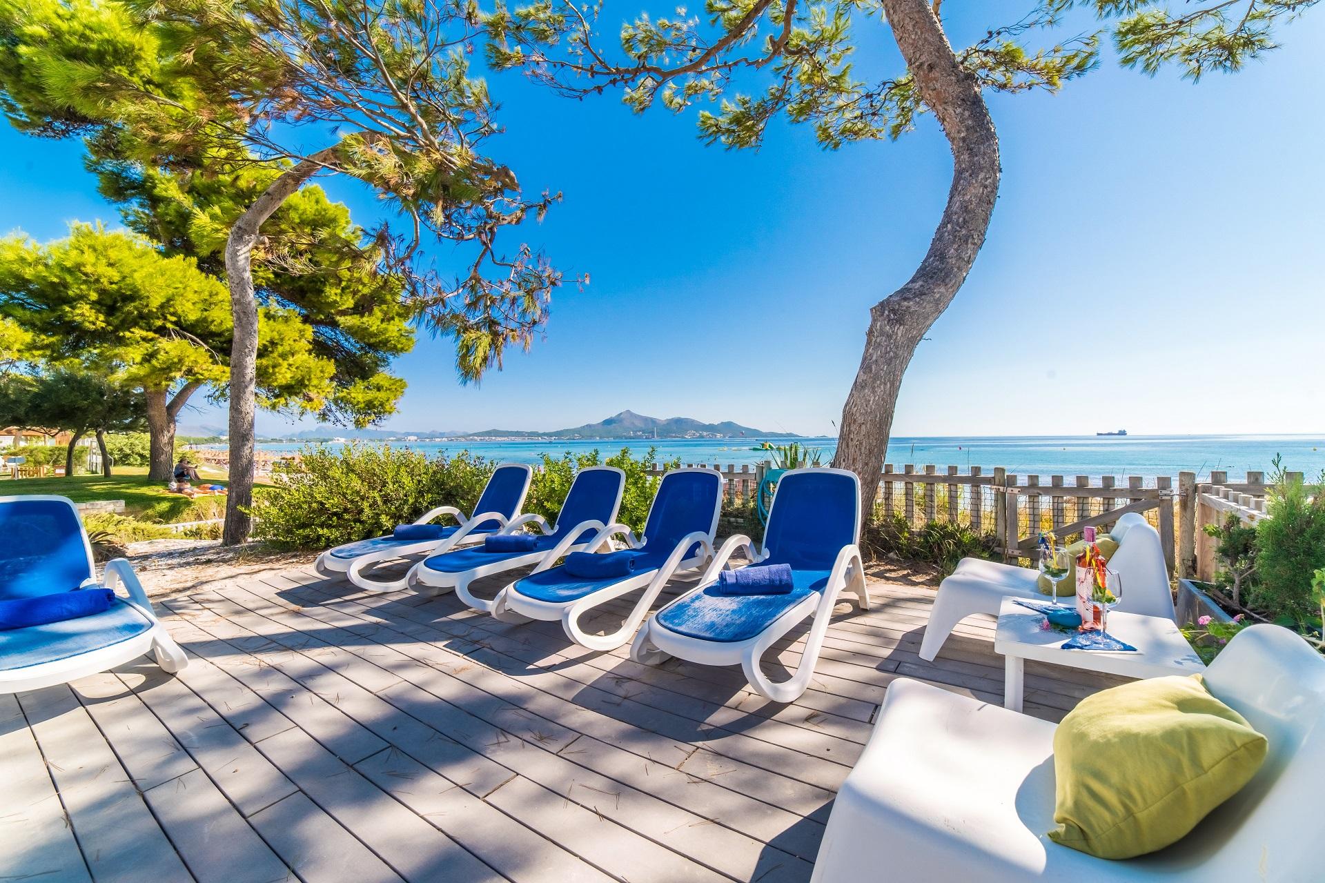 Ferienhaus direkt am strand und meer am playa de muro for Design hotel mallorca strand