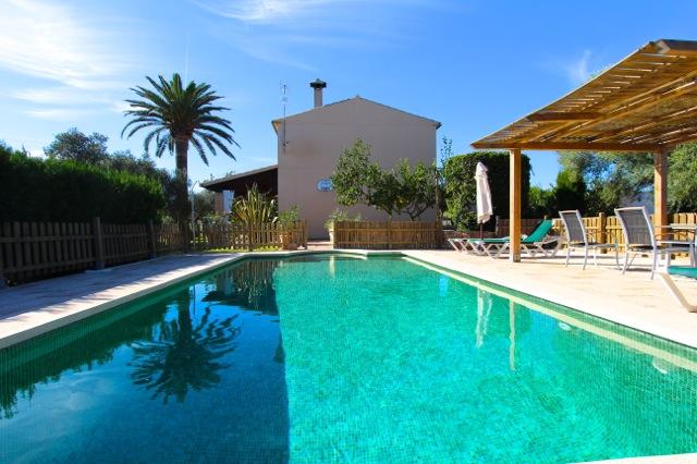 Finca Mit Pool Eingezaunt Im Norden Von Mallorca 6 Bis 8 Personen