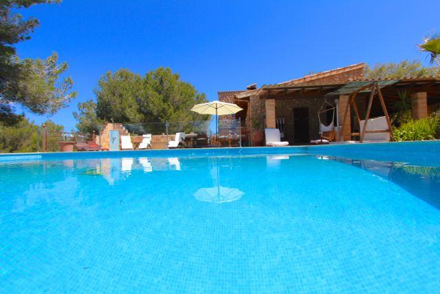 Großer Pool finca ferienhaus mallorca osten mit pool bei arta für 10 1