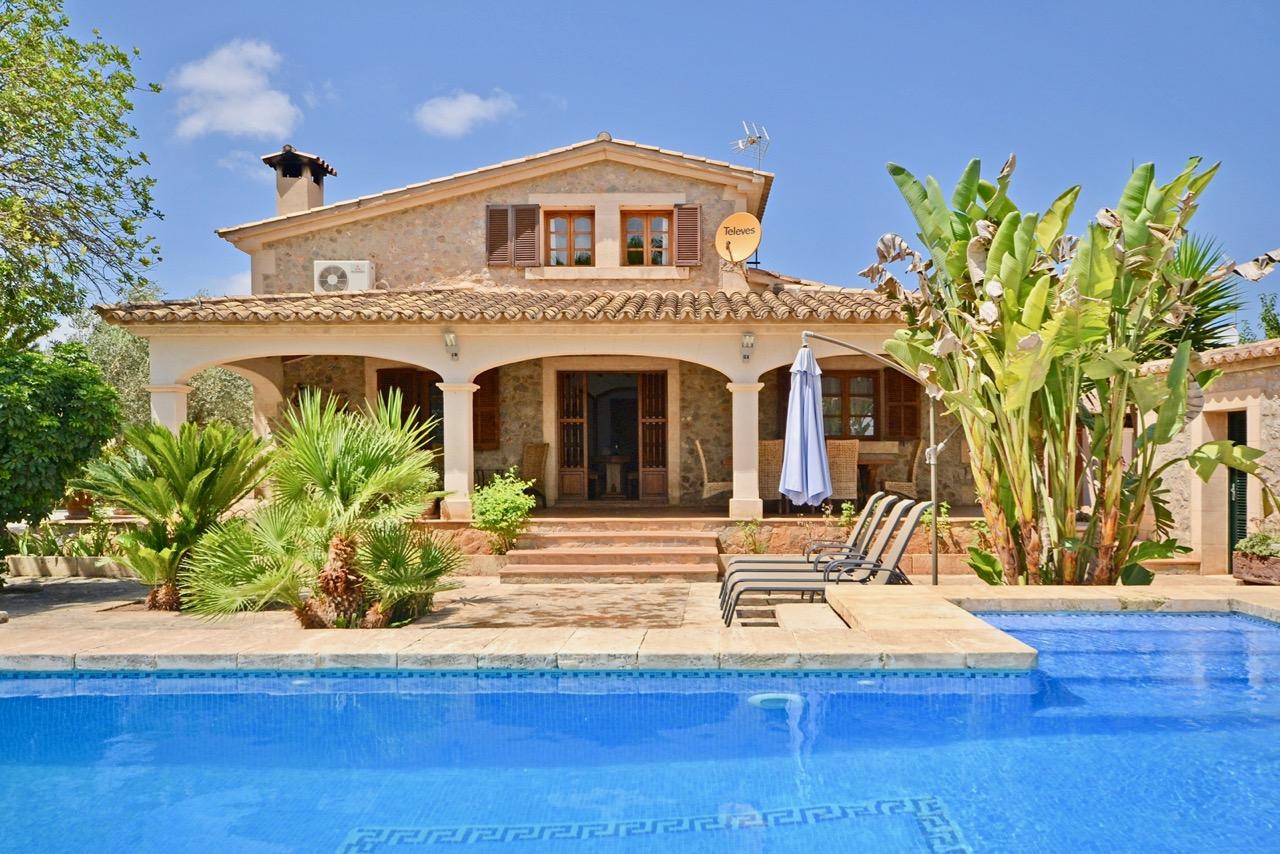 Sommerküche Terrasse : Finca mit tennisplatz sauna pool sommerküche und überdachter