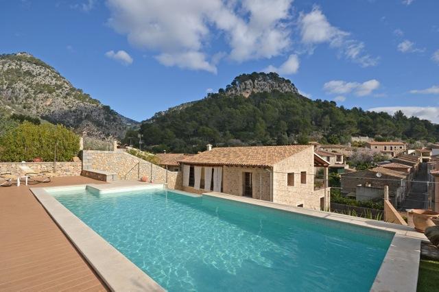 Ortsnahe finca mit pool und traumhaftem blick auf das for Mallorca ferienhaus mieten
