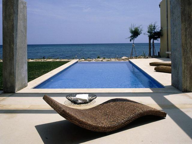 traumvilla am strand mit meerblick in erster meereslinie zur vermietung ein strandhaus mit pool. Black Bedroom Furniture Sets. Home Design Ideas